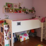 Younger child's bedroom