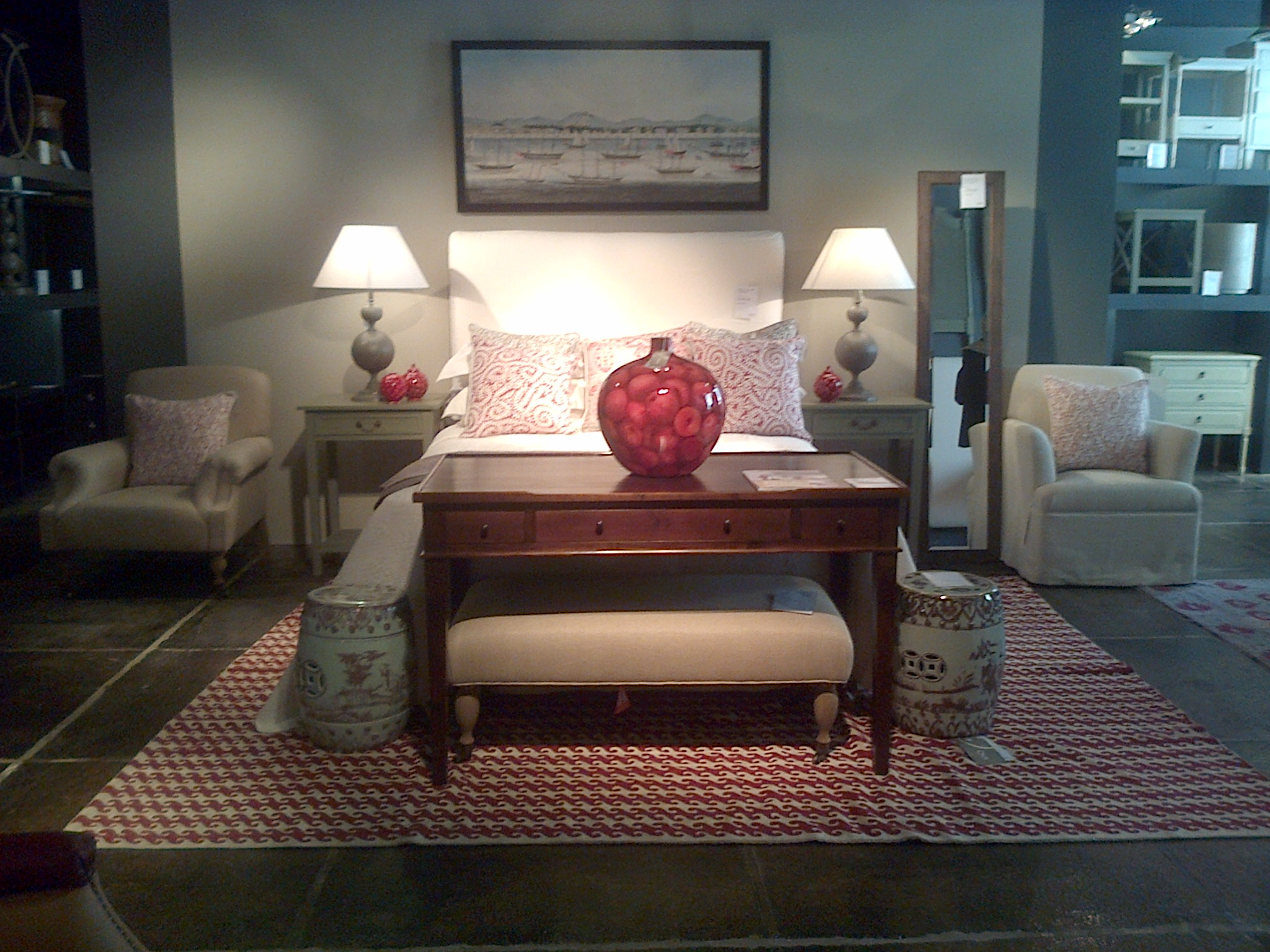 The painting, the bed, the vase, lamps= nice